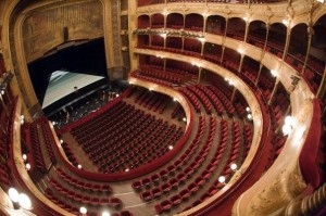 Theatre Chatelet chomeur reduction